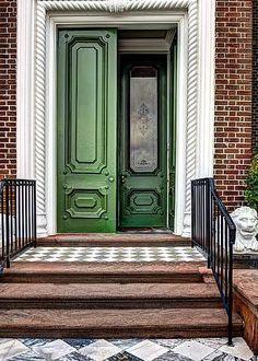 Красивый фасад пестрого цвета в английском стиле