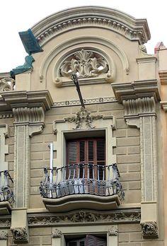Barcelona balcony beauty!!
