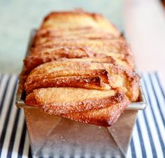 Combines the best of things I love in a dessert!Pull apart cinnamon sugar bread