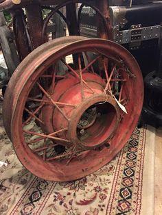 Vintage wheel #rust2914 #rustpuyallup