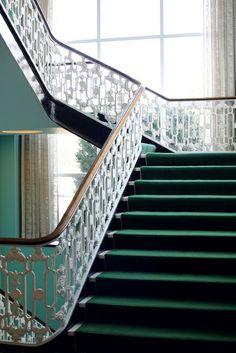 Greenbriar Stairway, dorothy draper, hollywood regency