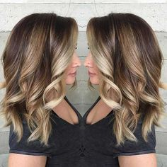 If you're looking for an in-between hair 'do that really rocks, these 27 stunning blonde highlights for dark hair looks definitely tick all the right boxes. Blonde Balayage Highlights, Balayage Hair Blonde Medium, Brown Hair With Blonde Highlights, Medium Blonde, Beige Blonde, Blonde Highlights On Dark Hair Short, Honey Highlights, Partial Highlights, Mid Length Hair