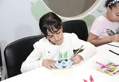 gulftoday.ae | Children create origami characters to encourage reading, innovation