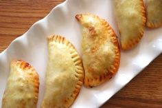 Beef empanadas stuffed with a New Mexican red chile and beef mixture with a handmade empanada crust that's buttery, flaky, and delicious! Chile Colorado, Hispanic Dishes, Chilean Recipes, Beef Empanadas, Homemade Pastries, Fried Apples, Taco Casserole, Great Appetizers, Mexican Food Recipes