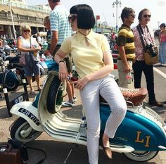 All things Lambretta & Vespa, well all things if they are pictures. (and perhaps the odd other thing that catches my eye from time to time including occasional adult content! Mod Scooter, Lambretta Scooter, Vespa Scooters, Vespa Girl, Scooter Girl, Mod Fashion, 1960s Fashion, Skinhead Girl, Mod Girl
