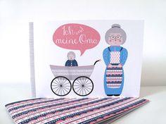"""""""Ich&meine Oma""""-Büchlein Dieses Heft im Din A5 Querformat bietet Platz für gemeinsame Fotos, Gedanken und mehr.  Mit insgesamt 24 Seiten ist es nicht zu überladen, bietet aber trotzdem genügend Platz für die schönsten Erinnerungen.  Das Büchlein wird auf Recyclingpapier gedruckt.  Es ist eine tolle Geschenkidee für Omas von kleinen und grossen Enkelkindern :-)  8,90 € inkl. MwSt., zzgl. Versandkosten"""