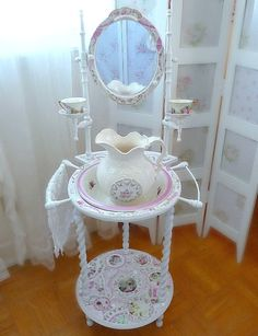 Shabby Chic ● Mosaic Washstand with Basin and Pitcher Shaby Chic, Shabby Chic Pink, Shabby Chic Cottage, Shabby Vintage, Shabby Chic Homes, Shabby Chic Style, Shabby Chic Decor, Cottage Style, Antique Wash Stand