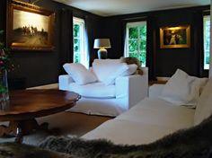 Inrichting oude villa door Mymoodz #interiordesign #modernclassic #livingroom #woonkamer #antiek #anthique #mymoodz