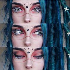 41 New Ideas For Makeup Dark Halloween Gothic 41 Neue Make-up-Ideen Dark Halloween Gothic Rave Makeup, Fx Makeup, Cosplay Makeup, Costume Makeup, Beauty Makeup, Body Makeup, Witchy Makeup, Red Eyeshadow, Eyeshadow Ideas