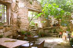 Le Refuge de l'Artiste, Provence, France.