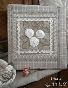 Ulla's Quilt World: Quilted binder cover with flowers