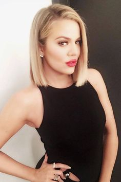 Khloé Kardashian Has a Sleek New Blond Bob Haircut-I love her hair, makeup, and most of her outfits. Everyone likes to get a Spring hair makeover — including Khloé Kardashian. The reality star just ditched her midlength locks for a sleek bob. Kardashian Kollection, Khloe Kardashian Hair, Kardashian Workout, Kardashian Style, Short Straight Hair, Short Hair Cuts, Short Hair Styles, Pixie Styles, Asymmetrical Bob Haircuts