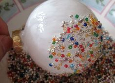 DIY Holiday Edition!   http://crafts.kaboose.com/img/craft_images/seed-bead-christmas-ornament-craft-photo-350x255-aformaro-02.jpg Beaded Christmas Ornaments, Glass Ornaments, Christmas Balls, Christmas Holidays, Diy Ornaments, Easy To Make Christmas Ornaments, Ornament Storage, Crafts For Kids, Christmas Projects