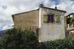 Old advert for Parfumerie Galimard near Grasse in France.