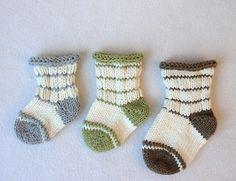 Goo Goos Baby Socks pattern by Martha McKeon Knitting Socks, Baby Knitting, Knit Socks, Unisex Clothes, Dk Weight Yarn, Patterned Socks, Baby Socks, Knitting Patterns, Knit Crochet
