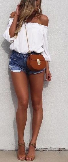 55 Trending And Cool Outfits Of Australian Fashionista : Agatha White Off The Shoulder Top + Denim Shorts Look Fashion, Street Fashion, Fashion Outfits, Womens Fashion, Fashion Trends, Gypsy Fashion, Fashion Ideas, Feminine Fashion, Ladies Fashion