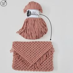 You can make this cute macrame clutch from just of Bobbiny Cotton Cords. Macrame Purse, Macrame Knots, Micro Macrame, Diy Clutch, Diy Purse, Clutch Tutorial, Diy Tutorial, Macrame Patterns, Crochet Patterns