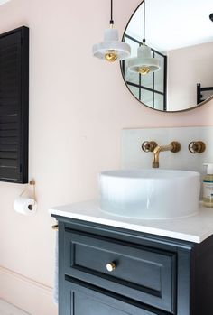 Setting Plaster by Farrow&Ball is a dusty pink is named after the blushing walls we often admire in newly plastered houses. Yellow Bathroom Paint, Kitchen And Bathroom Paint, Blush Bathroom, Yellow Bathrooms, Bathroom Colors, Bathroom Wall, Bathroom Interior, Small Bathroom, Bathroom Ideas