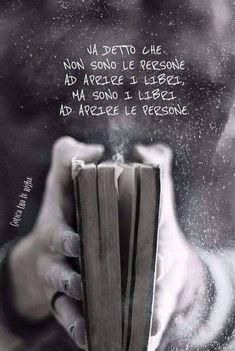 Aforismi Bff Quotes, Sarcastic Quotes, Poetry Quotes, Words Quotes, Wise Words, I Love Books, Books To Read, My Books, Magic Words
