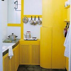 Decoración de Cocinas Amarillas Small Kitchen Tables, Kitchen On A Budget, Kitchen Ideas, Kitchen Cabinet Colors, Kitchen Colors, Yellow Kitchen Designs, Grey Kitchens, Yellow Kitchens, Kitchen Yellow