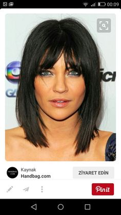 Bob hairstyles are not a new entry in the world of haircuts. Bob hairstyles are in style for a long period. Medium Short Hair, Medium Hair Styles, Short Hair Styles, Layered Haircuts For Medium Hair With Bangs, Mid Length Hair Styles With Layers, Long Bob Haircut With Bangs, Medium Brown, Hairstyles With Bangs, Pretty Hairstyles