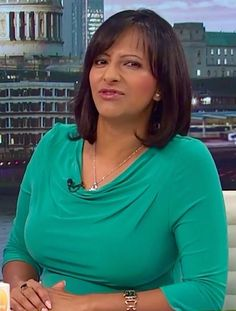 Natalie Sawyer Hot, Kate Garraway, Carol Vorderman, Good Morning Britain, Tv Girls, Tv Presenters, Vintage Tv, Sexy Older Women, Celebs
