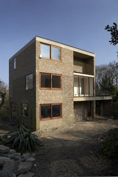 Project: Westgrove Lane Architect: Pierre D'Aroine Architects Brickwork Contractor: Finlon Building Brick: Ibstock - Tonbridge Grey Brown