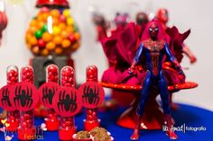 Heróis | Festa infantil | Homem aranha | Decoração by Mariah festas #festainfantil #homemaranha #herois Party Food And Drinks, Drink Menu, Party Activities, Diy Party, Dessert Table, Cake Pops, Party Planning, Birthday Candles, Party Supplies
