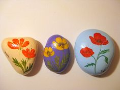 acrylic on stone, hand painted poppies Pebble Painting, Pebble Art, Stone Painting, Stone Crafts, Rock Crafts, Hand Painted Rocks, Painted Stones, Field Paint, Rock Flowers