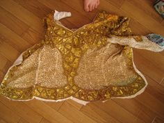 Incredibly detailed photo tutorial of creating a handmade bra and belt from a tacky old beaded dress from a thrift store.  GREAT details, wonderful outfit.Buggirl's Increasingly Strange Tokyo Tales...the all powerful Ozma has spoken.