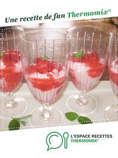coupes de mousse de fraises légère et coulis de fraises par elleisab. Une recette de fan à retrouver dans la catégorie Desserts & Confiseries sur www.espace-recettes.fr, de Thermomix®.