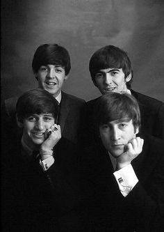 The Beatles, Paul McCartney, George Harrison, Ringo Starr and John Lennon Foto Beatles, Beatles Love, Les Beatles, Beatles Photos, Beatles Band, With The Beatles, George Beatles, Beatles Funny, George Harrison