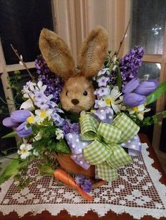 Ne pregatim din timp cu decoratiuni specifice sarbatorilor care se apropie Easter Bunny Eggs, Happy Easter Bunny, Easter Peeps, Easter 2014, Easter Crafts, Easter Decor, Easter Flowers, Easter Wreaths, Topiary Garden