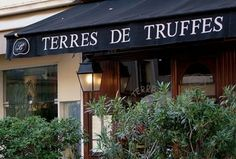"Véritable prince de la truffe... Schöne Bar... ""Terres de truffes"", 11, rue Saint-François-de-Paule, F-06000 Nice +33 (0)4 93 62 07 68 http://www.terresdetruffes.com"