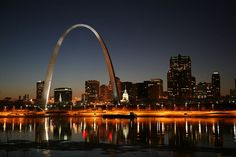 Things to do in St Louis Mo. Plan a trip to St Louis mo. Places to visit in St Louis mo. Fun things to do in St Louis mo The Places Youll Go, Great Places, Places To See, Beautiful Places, Wonderful Places, Wonderful Time, Saint Louis Arch, St Louis Mo, St Louis Night