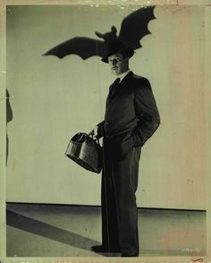 Publicity photo of Vinnie for The Bat (1959)