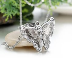 Women's Exquisite Rhinestone Gold / Silver Stainless Steel Animal Butterfly Pendant Necklace - The Sorse - 6