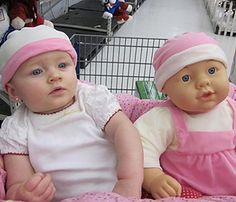 Kids aren't toys, but this lot seems to be doing it's darndest to look like their toys. It's not like these babies have to try hard, of course, since baby dolls were made to look like them. They look like twins! So Cute Baby, Baby Kind, Cute Kids, Cute Babies, Doll Toys, Baby Dolls, Funny Lists, People Of Walmart, Look Alike
