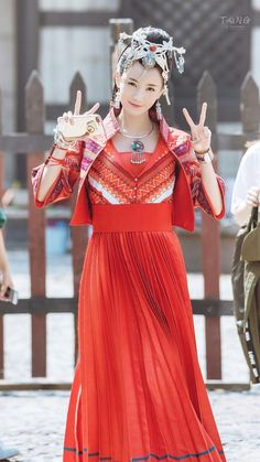 African Fashion Skirts, Scarlet Heart, Drama Series, Cloak, Costumes, Formal Dresses, Oriental, Chinese, Beauty