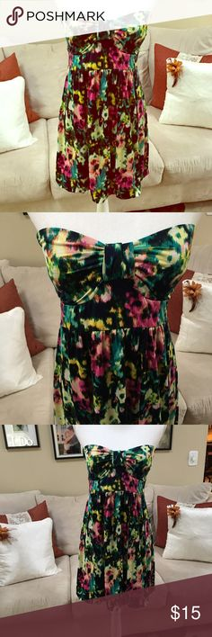 Rue 21 strapless floral dress Adorable strapless dress with bold colors Rue 21 Dresses Strapless