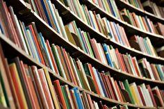 Sites disponibilizam livros para download grátis de forma legal. Tudo bonitinho e dentro da lei.