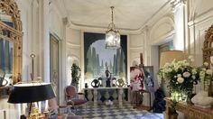 Françoise Sagan, Oversized Mirror, Culture, Furniture, Home Decor, Parisian Apartment, Decoration Home, Room Decor, Home Furniture