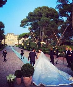 What A 1%er Wedding Looks Like #refinery29  http://www.refinery29.com/2015/11/97473/most-expensive-weddings-pictures