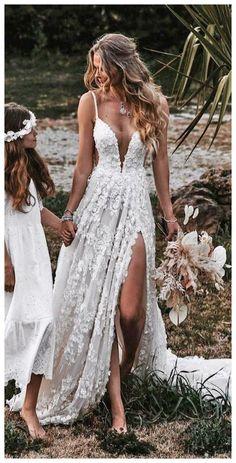 Short Lace Wedding Dress, Rustic Wedding Dresses, Best Wedding Dresses, Wedding Bride, Bridal Dresses, Lace Dress, Rustic Beach Weddings, Different Color Wedding Dresses, Wedding Dress Casual