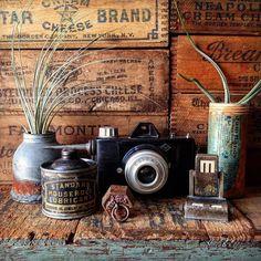 11.Mar.2016  Vintage cheese boxes and my favorite treasures...  ヴィンテージのチーズボックスと お気に入りの物たち...  #cheesebox #woodenbox by bali_ayu