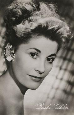 Gisela Uhlen(*16. Mai1919inLeipzig; †16. Januar2007inKöln; eigentlichGisela Friedlinde Schreck) war eine deutsche Schauspielerin, Tänzerin und Autorin. Sie verkörperte seit 1936 etwa 60 Film- und über 100 Bühnenrollen.