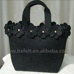 borsa di feltro con decorazioni