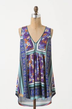 Jarmila Tunic $40 via Anthropologie >> Love this top!