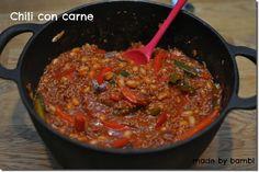 """Oj, så mumsig denna chili con carne blev! Barnen tyckte den var lite för kryddstark så nästa gång ska jag inte ta lika mycket cayennepeppar. Men jag älskade den, riktigt mumsig och en sån himla bra vardagsrätt! Bara 6 ProPoints per portion också! Jag hittade detta recept i ViktVäktarnas receptbok """"grytor&gratänger"""". 4 port. 400 […]"""