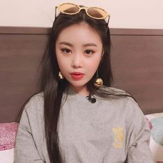 Seo Soojin is a spy who is working under Jeon Soyeon.She belong to Animal Society which is an organisation full of spy.One day,when Shuhua got kidnapped,Soojin. Kpop Girl Groups, Korean Girl Groups, Kpop Girls, Jung Hoseok, My Girl, Cool Girl, Baby Pink Aesthetic, Soo Jin, Sulli